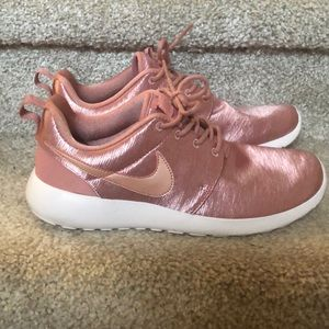 Rose Gold Nike Roche size 7 Brand New
